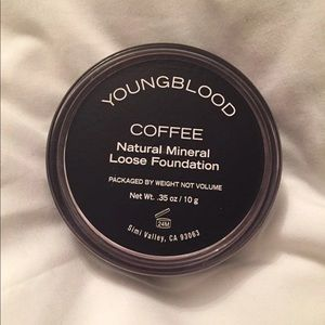 Other - Youngblood loose powder foundation new without box